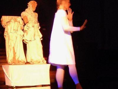 performance-1-talinovo-tanztheater-ueber-engel-anna-eichlinger-800w