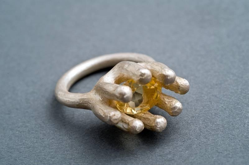 aufgehende-bluete-ring-silber-citrin-anna-eichlinger-800w