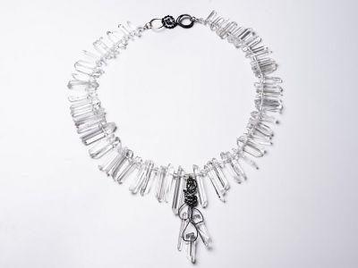 bergkristallkette-eisen-gewickelt-anna-eichlinger-schmuck-muenchen