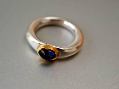 ring-antike form-silber-saphir-gold-anna-eichlinger-800w