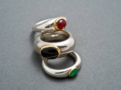 ringe-antike form-silber-gold-rubin-sternsaphir-smaragd-anna-eichlinger-800w