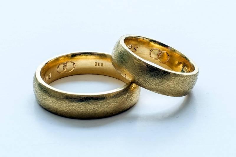 eheringe-gold-1-anna-eichlinger-800w
